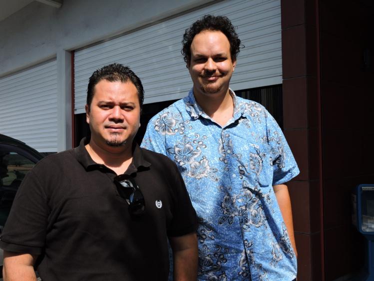 Yann Lucas, secrétaire territorial du Snetaa-FO Polynésie, et Maheanuu Routhier, secrétaire territorial adjoint de Snetaa-FO.