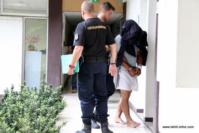 Le prévenu a été placé en détention provisoire par le juge des libertés et de la détention.