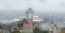 Météo: un bateau transportant 163 passagers bloqué au large de Bastia