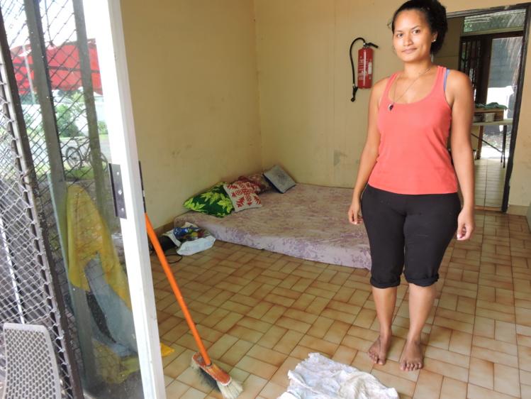 La maison des parents d'Odile Timau a été détruite par les fortes pluies. Depuis sa famille a été relogée au local du Secours catholique de Pirae.