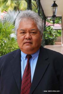 Luc Faatau, ministre de l'Equipement.