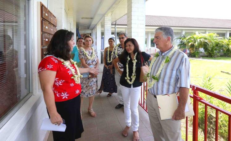 Le ministre des Solidarités en visite à la presqu'île