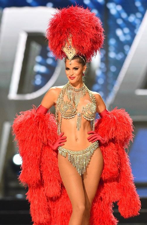 La Française Iris Mittenaere élue Miss Univers (PHOTOS)
