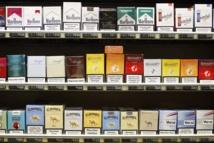 Tabac: le gouvernement poursuit son offensive anti-marketing et interdit certaines marques