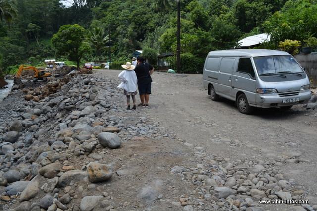 La route au fond de la vallée de Ahonu est de nouveau praticable.