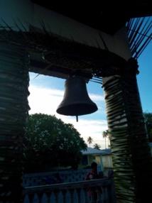 La cloche installée