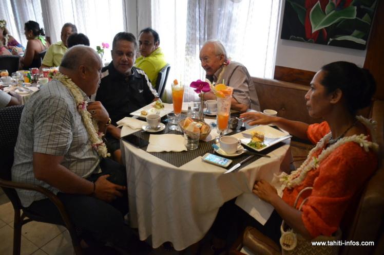 Gaston Flosse était invité jeudi matin au petit-déjeuner offert par Orizon Gooding pour annoncer sa candidature aux élections législatives de juin prochain.