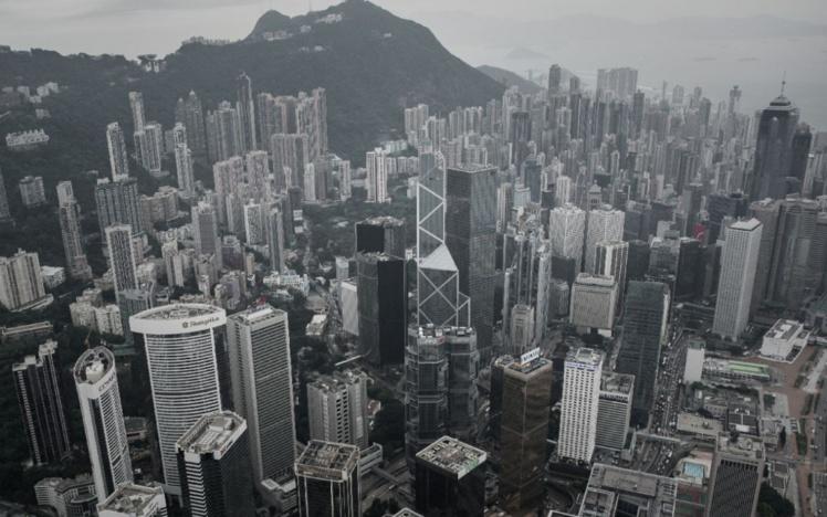 Une vue aérienne du centre de Hong Kong le 23 avril 2015 (AFP/PHILIPPE LOPEZ)