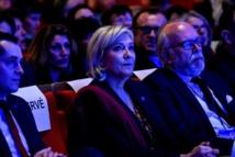 """En plein """"Penelopegate"""", Marine Le Pen met à jour son programme"""