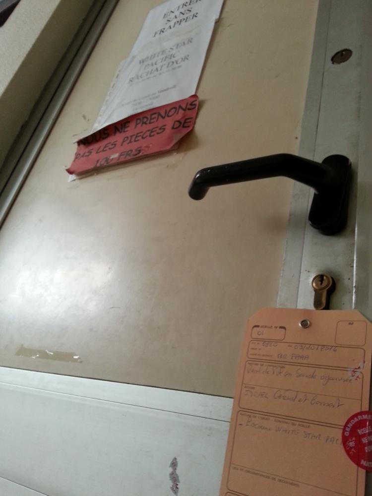 Ses bureaux de l'impasse Cardella à Papeete ont été placés sous scellés.
