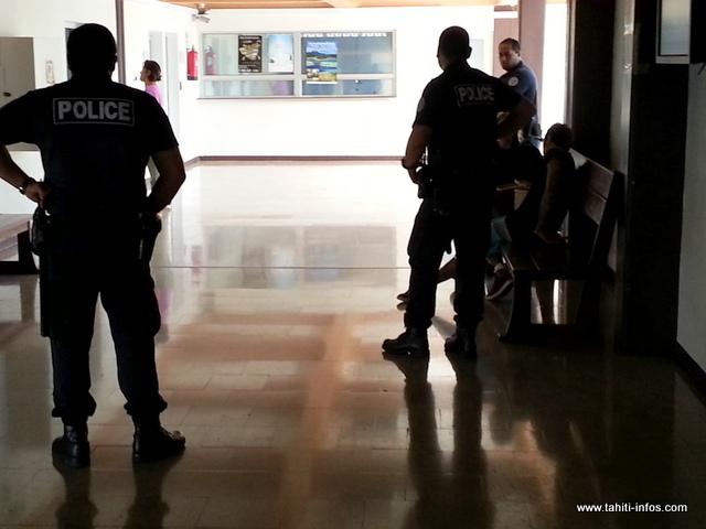 Placé en garde à vue pour des vols et cambriolages, le suspect a été déféré au parquet cet après-midi.