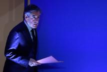 Fillon veut ignorer sa chute dans les sondages et recentrer sa campagne