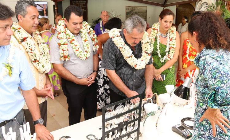 Le salon de la Bijouterie d'art polynésien est ouvert
