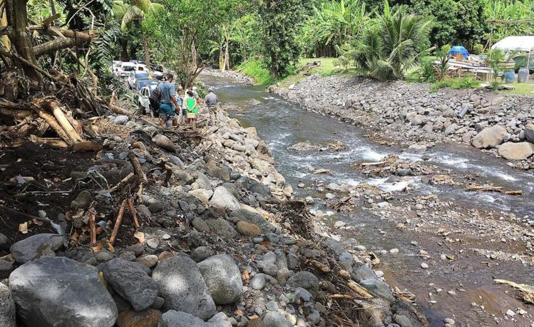 Paea : le ministre de l'Equipement et le maire font le point sur les travaux de réhabilitation