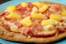 Bannir la pizza hawaïenne? Pas question, dit le président islandais