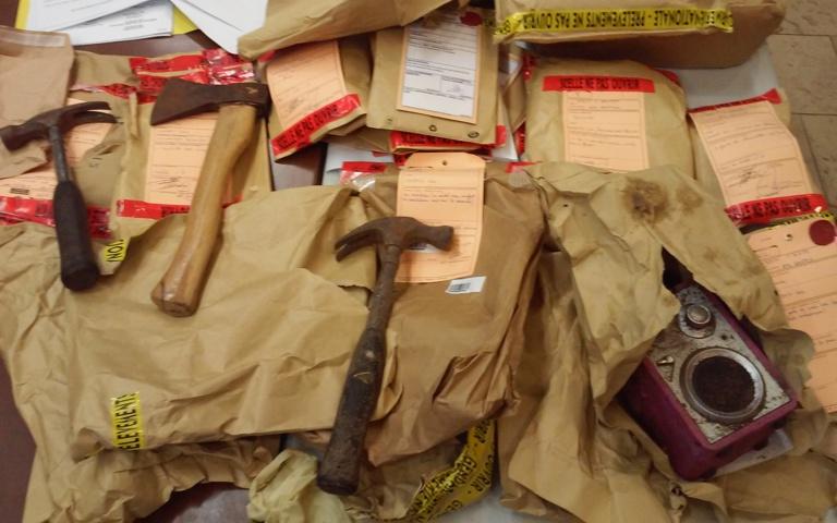 L'arme du crime : c'est avec ce marteau que l'accusé Sébastien T. avait fracassé le crâne de sa victime.
