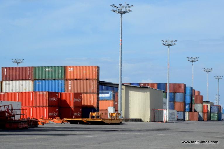 Deux conteneurs sous étroite surveillance à Motu Uta
