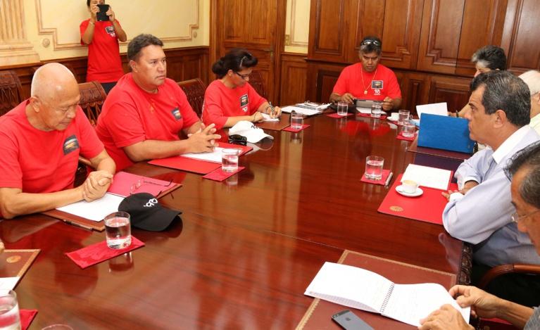 Le président s'entretient avec le nouveau bureau de l'association 193