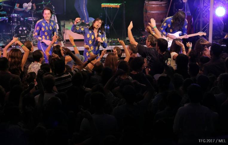 Durant trois soirées, les artistes, comme ici Naive New Beaters, ont été proches du public.