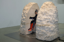 """Abraham Poincheval sort """"un peu sonné"""" de 8 jours dans un rocher"""