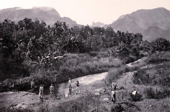 La vallée de la Fautatua en 1896. Photo Arthur Baessler, eMuseumPlus