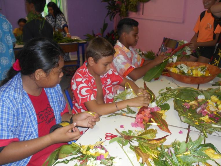 Fleurs, légendes ou encore sports traditionnels, la culture polynésienne était à l'honneur vendredi dernier au collège de Afareaitu.
