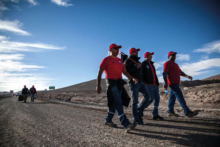 Chili: la grève à la mine d'Escondida, la plus longue de son histoire