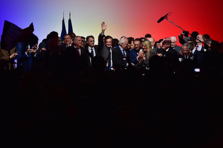 Les sarkozystes en force dans la nouvelle équipe de Fillon