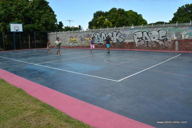 Les jeunes de Fareroi et des quartiers aux alentours peuvent enfin profiter de cet espace sportif.