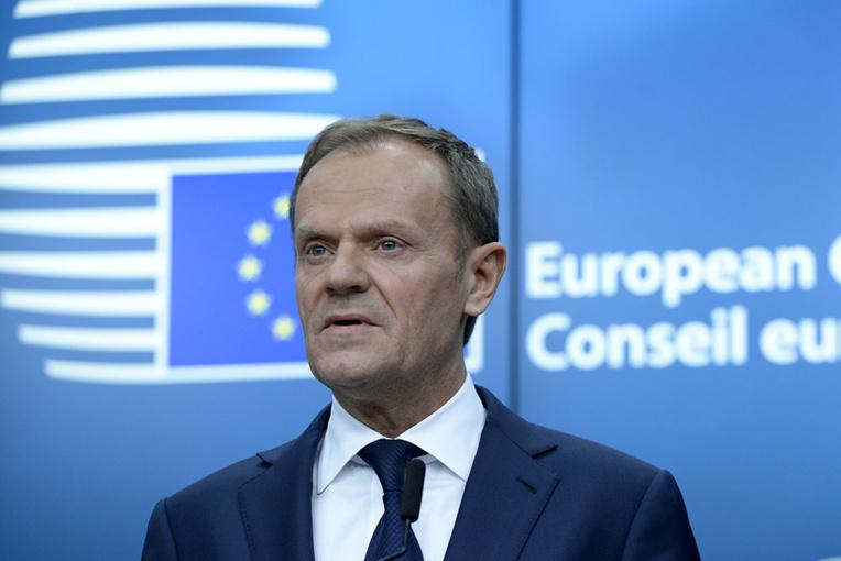 Le Polonais Donald Tusk a été réélu jeudi président du Conseil européen, malgré l'opposition de son pays.
