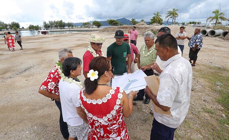 Les pêcheurs des trois communes de Raiatea ont été invités pour discuter de l'utilisation et de la gestion des quais et marinas du Pays, situés à Uturoa.