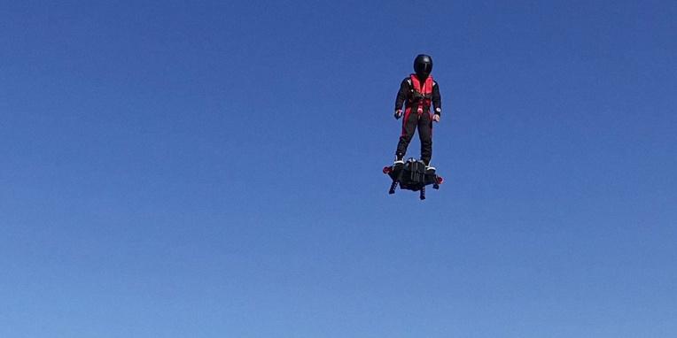 Franky Zapata et son Flyboard Air cloués au sol par la justice