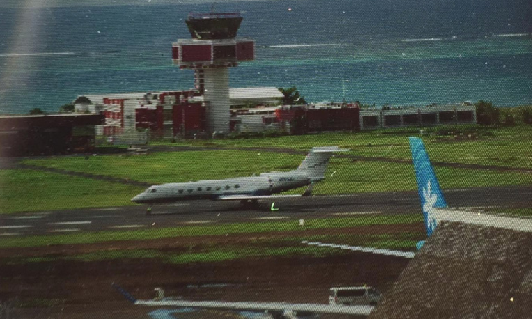 L'arrivée à Tahiti du jet privé de Barack Obama, mercredi 15 mars. (Photo : Facebook Aviation Geeks Tahiti).