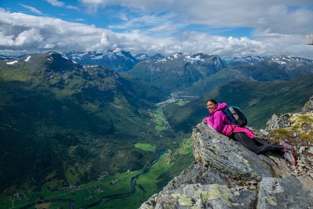 Norvège Hellesylt  Moi après une randonnée entre forêt, vallon, roches et couche de glace. Photo : Jan Arn Jannsen.