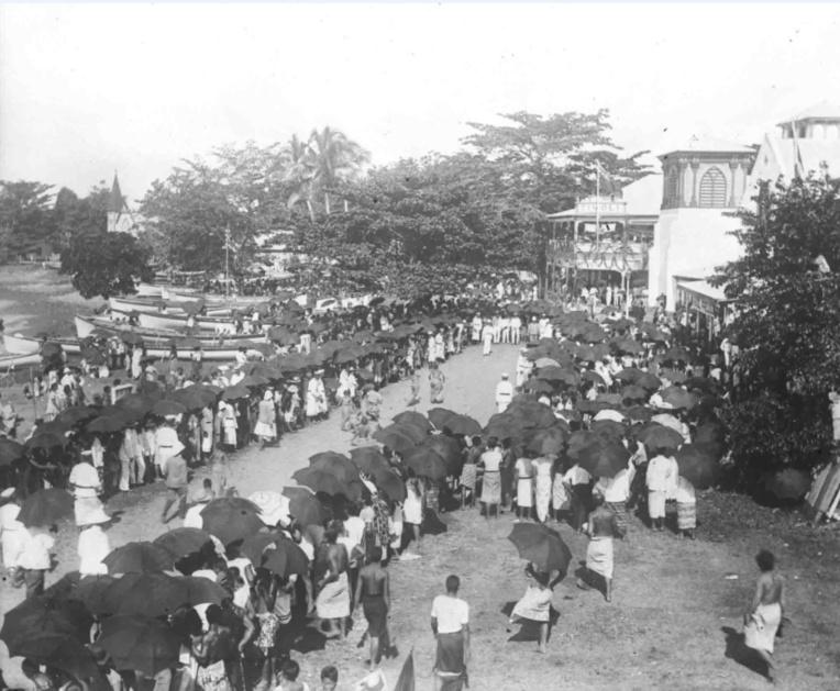 En 1910, les Samoa fêtèrent avec faste les dix ans d'administration allemande. La colonie était alors prospère et excédentaire financièrement.