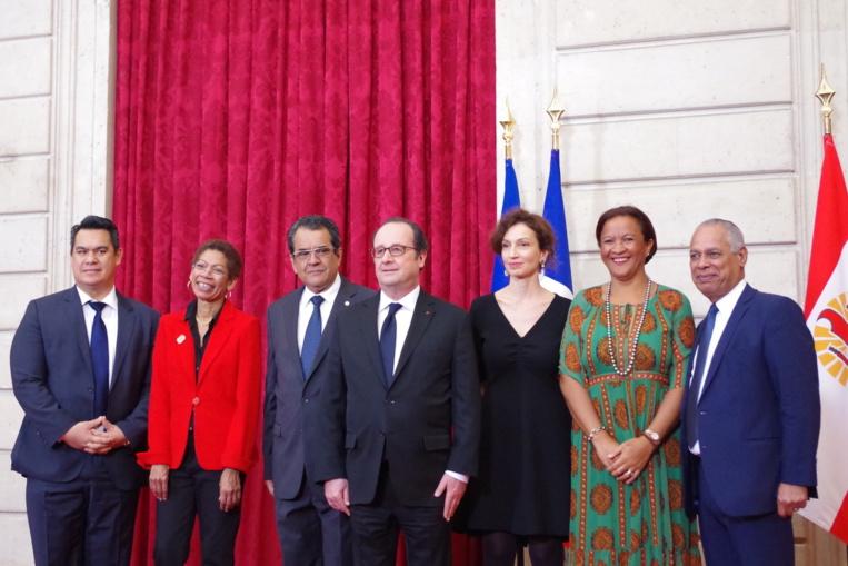 """Fritch et Hollande signent """"l'accord de l'Elysée"""""""