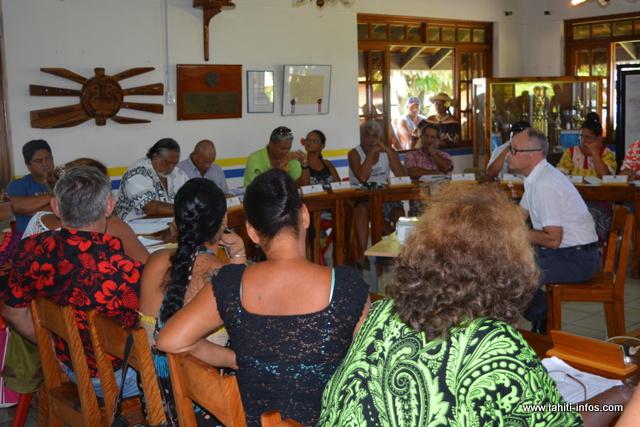 Le conseil municipal s'est réuni vendredi dernier pour dégager Gaston Tunoa et remanier les portefeuilles d'adjoints au maire.