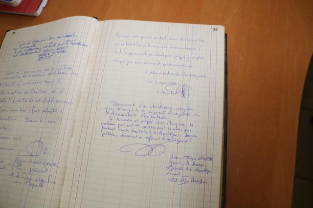 Jean-JAcques Urvoas a signé le livre d'or