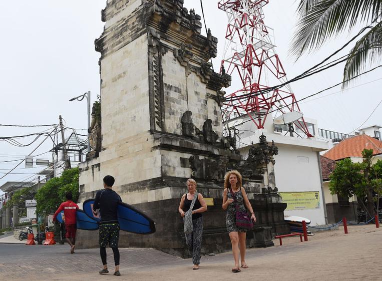 Séisme à Bali, panique des touristes