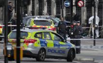 """Incident """"terroriste"""" à Londres: un policier poignardé, un assaillant touché par balles"""