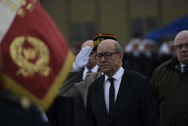 """Hamon dénonce par avance le ralliement """"pas acceptable"""" de Le Drian à Macron"""