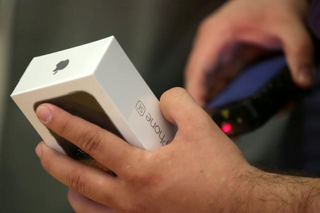 La CIA peut pirater des appareils Apple neufs (WikiLeaks)