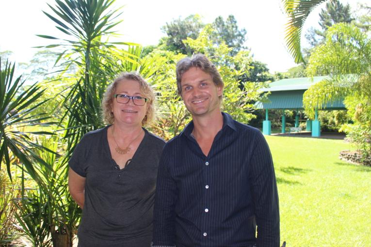 Benoît Picault, fondateurs des Cours Benoît et de la nouvelle école pour les élèves en marge du système scolaire classique etClaudine Zaghda, la présidente de l'association des parents d'enfants dyslexiques (APDYS), qui soutient le projet.