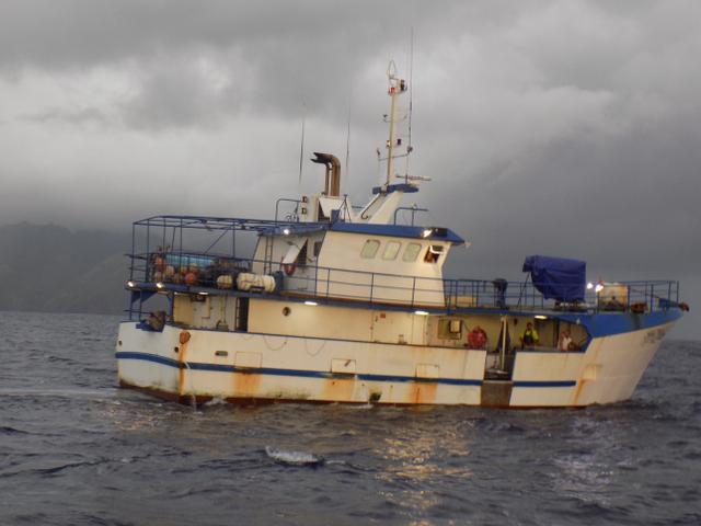 """Un thonier s'est retrouvé à """"2-3 nautiques de Tahuata""""."""