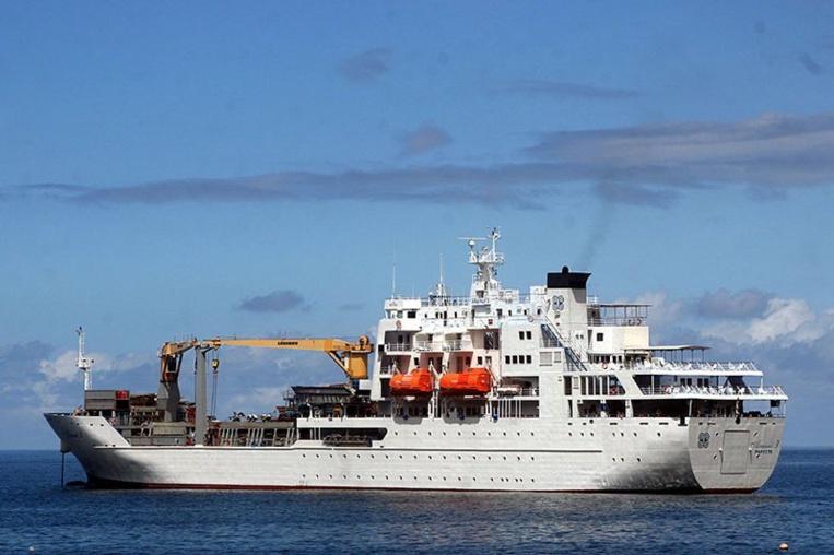 L'Aranui III (photo) a été remplacé par l'Aranui V, qui dispose désormais d'un emplacement particulier pour les barges.
