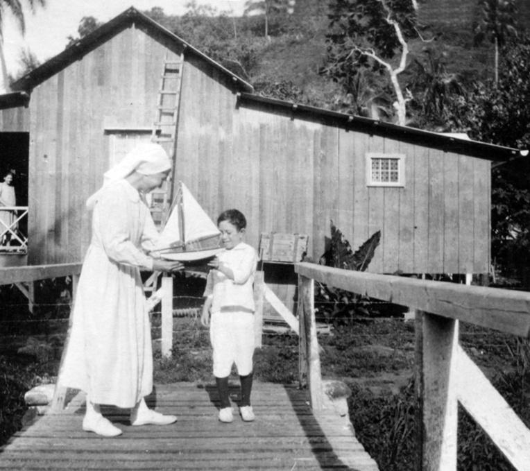 Infirmière de la mission protestante à Orofara vers 1951. Coll DEFAP