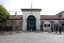 Val-de-Marne: un gardien de la prison de Fresnes agressé devant chez lui