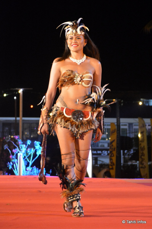 Le splendide costume de Vanessa Taupotini lui a valu un prix spécial