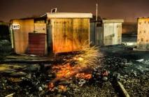 France: le camp de migrants de Grande-Synthe réduit en cendres par un incendie