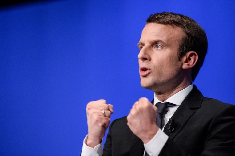 """Inconnu du public jusqu'à son entrée au gouvernement en 2014 comme ministre de l'Economie, il s'est lancé fin août dans la course à l'Elysée à la tête de son mouvement """"En Marche!"""", qu'il veut ni de gauche ni de droite. Photo : AFP"""